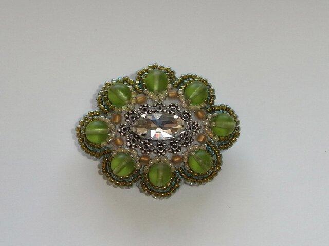 jewel*緑の森 ビーズ刺繍ブローチの画像1枚目