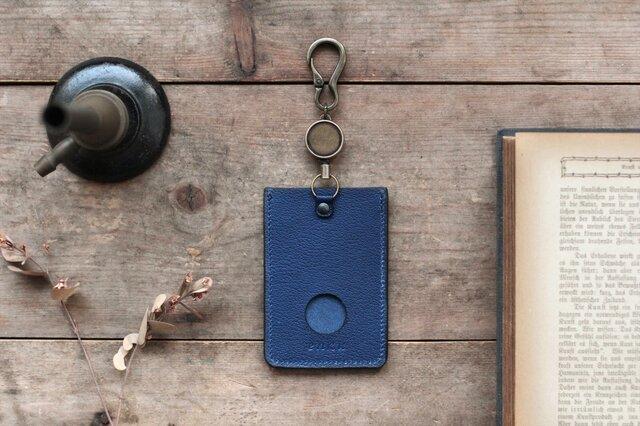 藍染革[shiboai] リール付ICカード・パスケースの画像1枚目