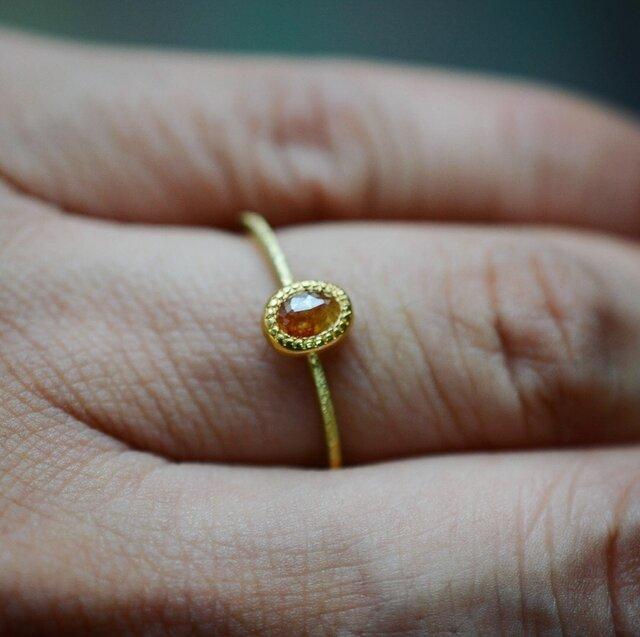 陽気なオレンジ色のナチュラル・ダイヤモンドの指環の画像1枚目
