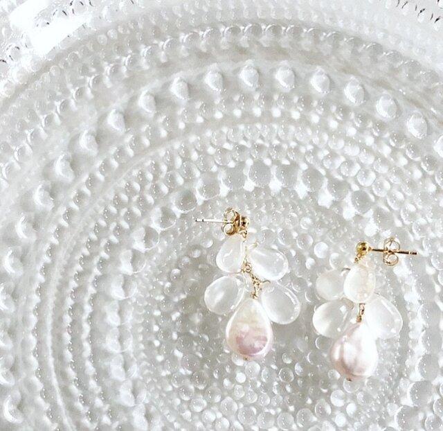 selmonia moonstone*pearl*pierceの画像1枚目