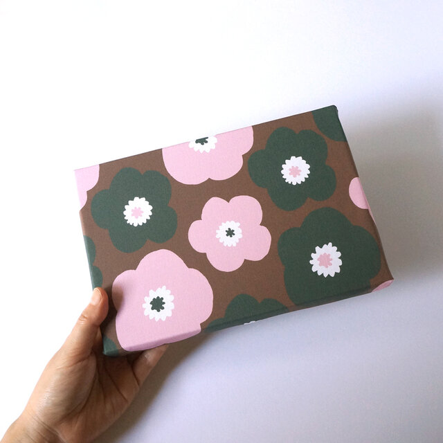 popy ( brownie × strawberry × angelica ) ファブリックパネルの画像1枚目