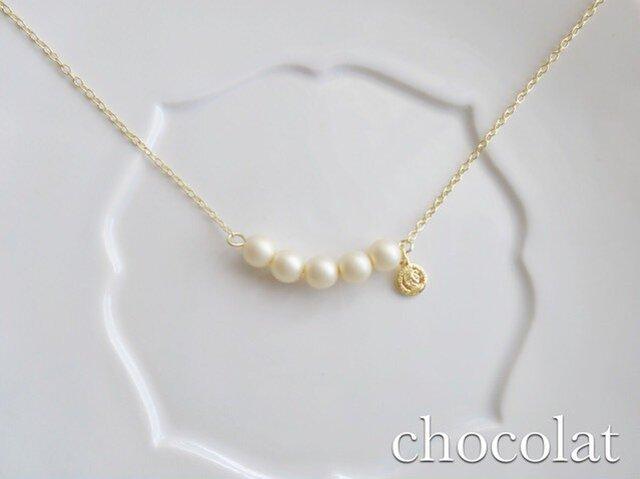 チェコガラスパールのふんわりネックレスの画像1枚目