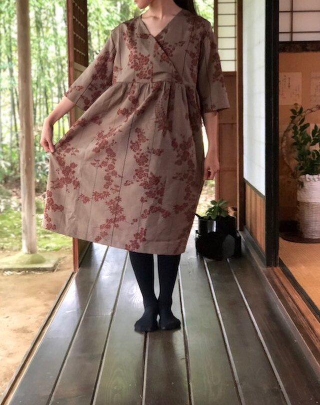 銘仙羽織から薔薇、小菊、紅葉カシュクールワンピースMの画像1枚目