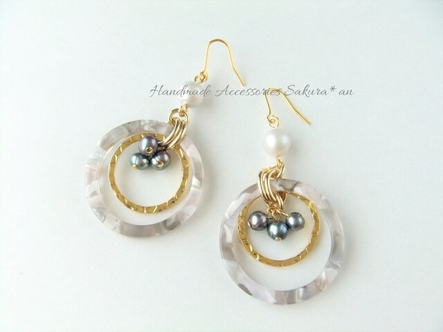 Pierces or Earrings  淡水パール 大ぶり フープ(P0827)の画像1枚目