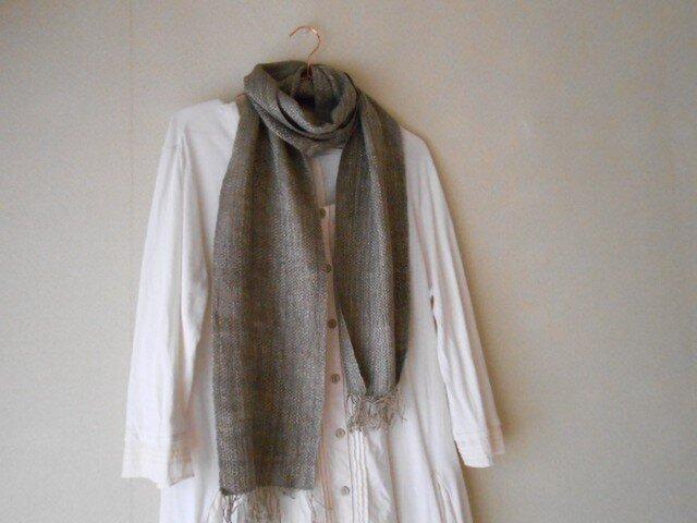 草木染(ヤシャブシ)手紡ぎ手織り シルク100%マフラーの画像1枚目