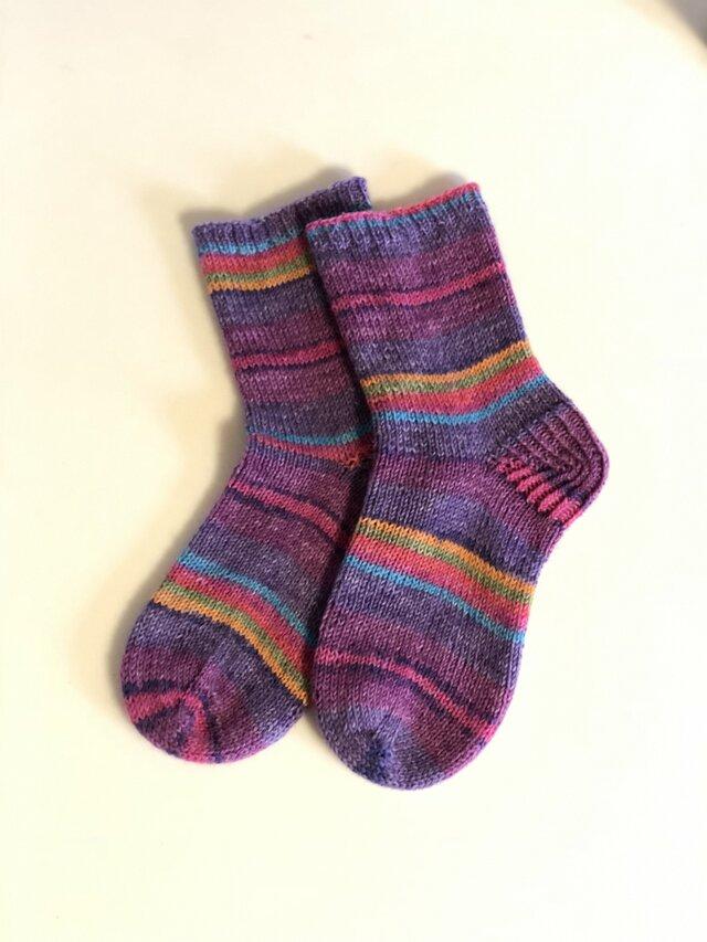 送料込ドイツソックヤーンの手編み靴下【気まぐれな風】の画像1枚目