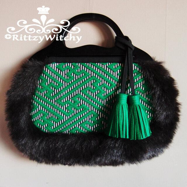 ベトナム買い付け木製ハンドルの刺し子風、紗綾形模様 グラニーファーバッグ(緑)の画像1枚目