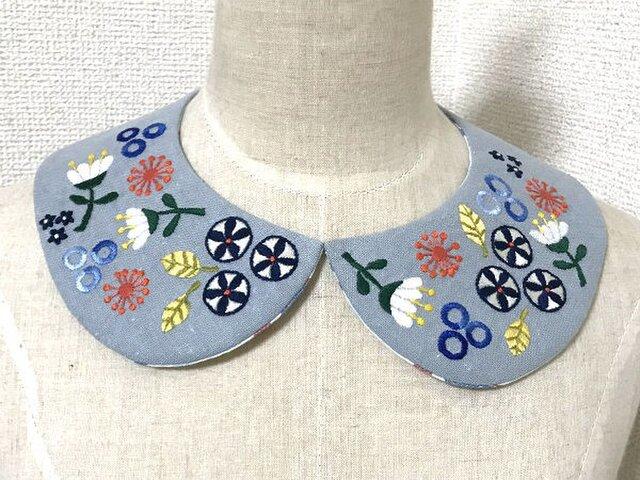 手刺繍つけ襟(レトロポップ)の画像1枚目
