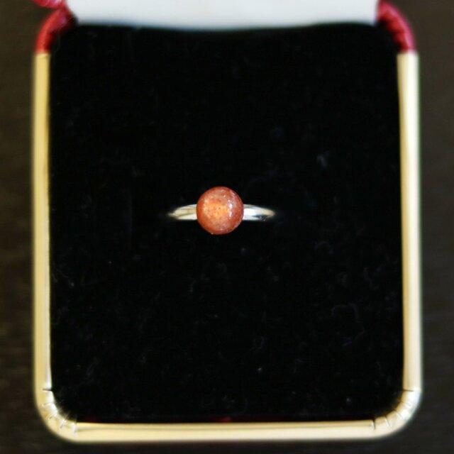 (一点もの)宝石質AAAランク・インド産サンストーンのピンキーリング(6mm,フリーサイズ)の画像1枚目