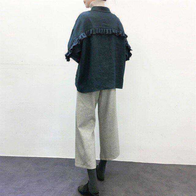 ★en-en ・厚手リネン背フリルシャツ(羽織に)鉄紺の画像1枚目