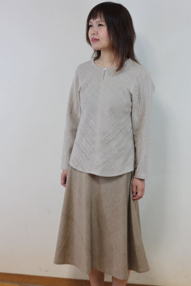 丸襟のシンプルなバイアスシャツ・グレー(コットン&ヘンプ)サイズM・Lの画像1枚目
