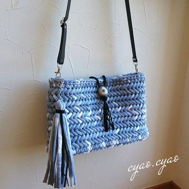 ヘリンボーン編みのショルダーバッグの画像1枚目