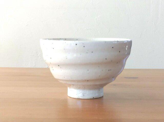 ろくろ目のご飯茶碗・大(白御影)の画像1枚目