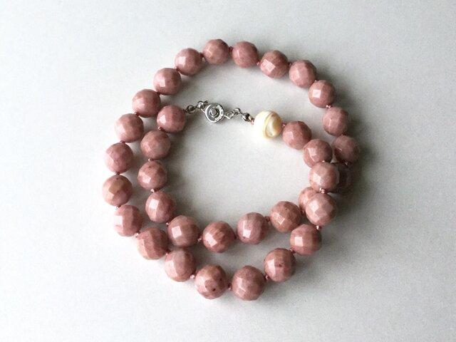 ピンク色のネックレス 1cm玉 /約42.5cm, シリシャスシスト, マザーオブパール, 天然石の画像1枚目