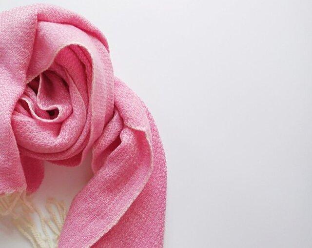 体にそっと馴染んでくれるカシミヤストール 手織り ピンク 928の画像1枚目