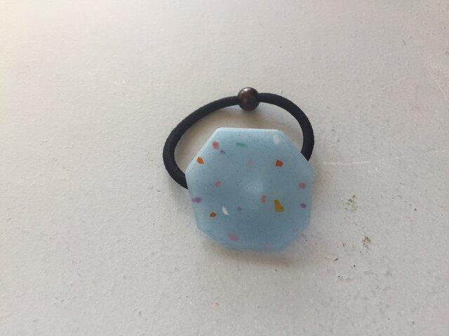 ガラスの粒粒のヘアゴムの画像1枚目