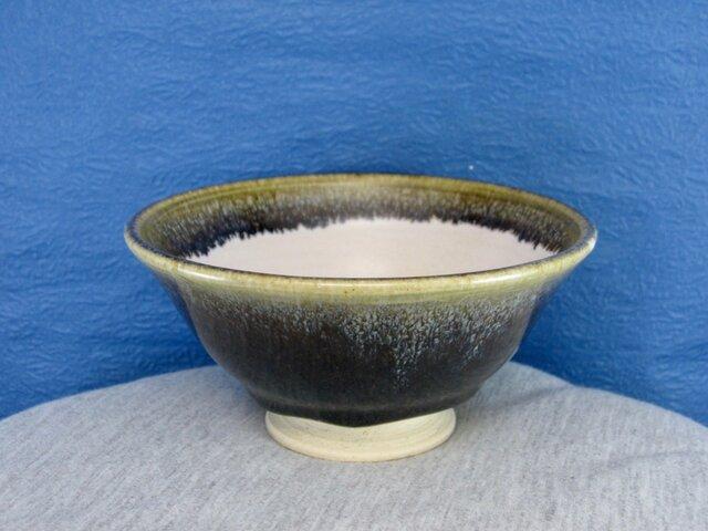 陶器ご飯茶碗(やや大)黒織部釉の画像1枚目