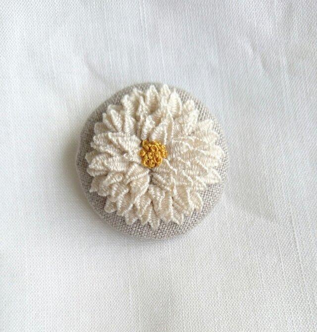 〈受注製作〉刺繍ブローチ white dandelionの画像1枚目