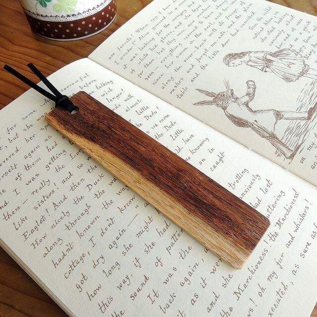 【限定1枚】白茶のツートン♪ネムノキの木製しおりVer6の画像1枚目