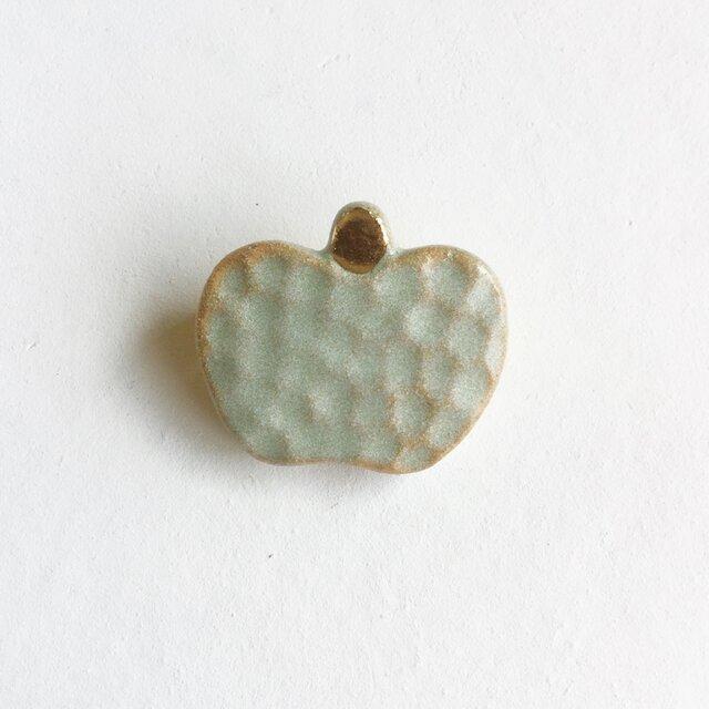 陶ブローチ 青りんごの画像1枚目
