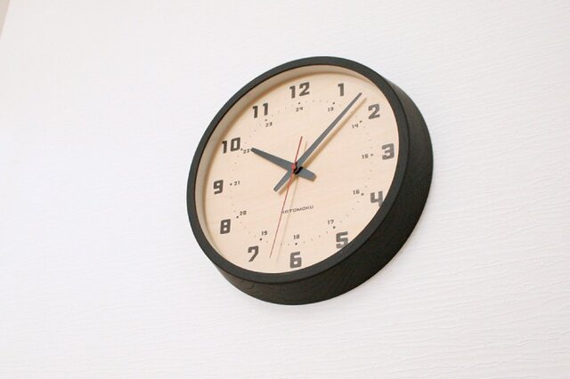 muku round wall clock 8 ブラック 電波時計 連続秒針 km-81BRCの画像1枚目