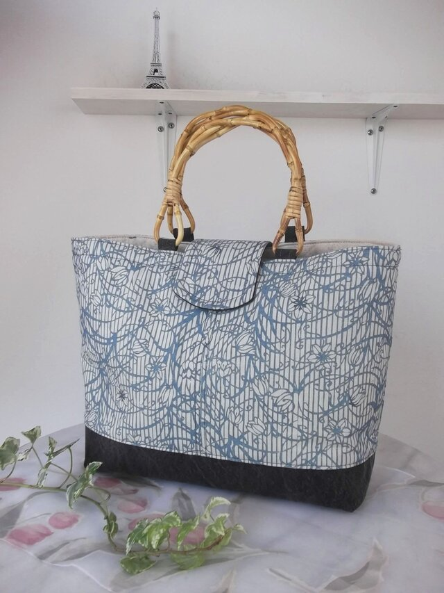 高級藍型染め紬(つむぎ)と備長炭帆布のバッグ 上質 ストライプに花とツル植物 オリジナルデザイン 一点物の画像1枚目