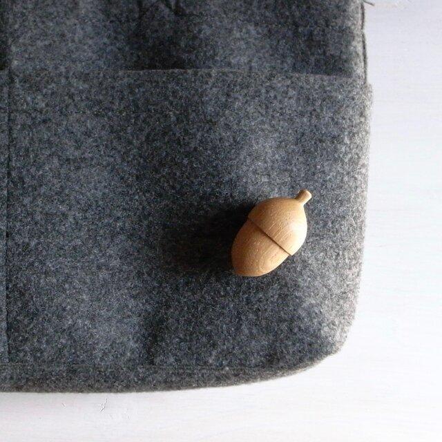 ブローチ acorn  ~シラカシ~の画像1枚目