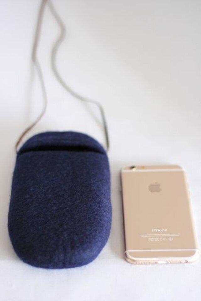 iPhoneポシェットcocoon(紺色)Lサイズの画像1枚目