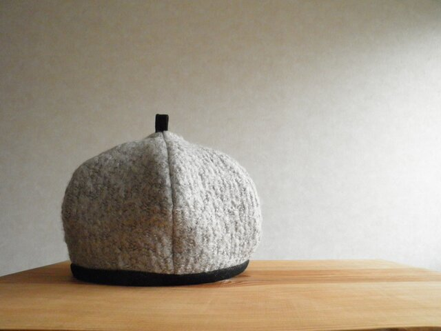 ブークレーニットのベレー帽 グレーの画像1枚目