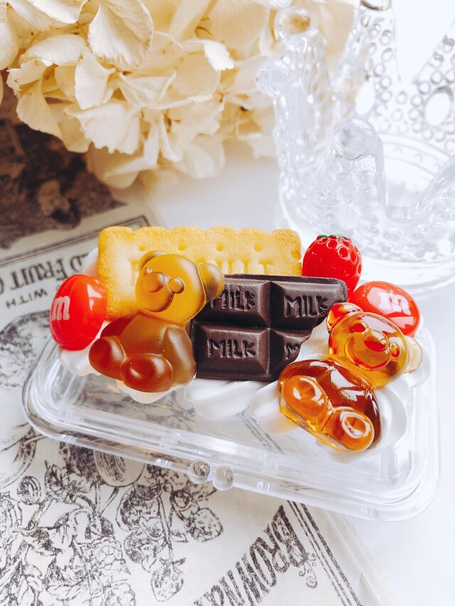 お菓子の印鑑ケース 朱肉とブラシつき フェイクスイーツの画像1枚目