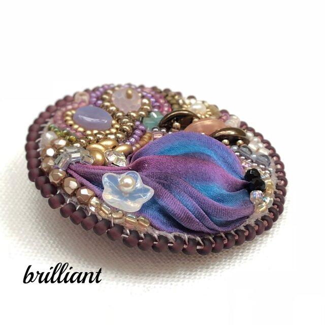 ビーズ刺繍 ブローチ ボルドー シルク絞りリボンの画像1枚目