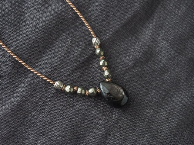 Black Pear Shaped Short Necklaceの画像1枚目