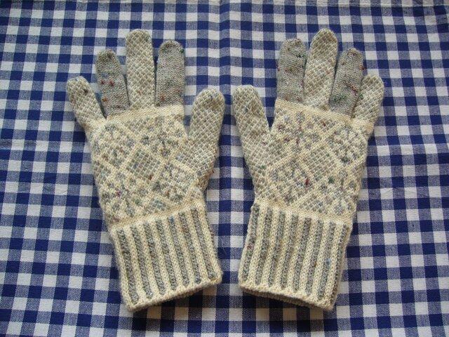 ◆◇花と雪模様の編み込み手袋◇◆(ライトグレー)の画像1枚目