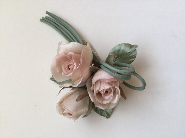 再販シックな薔薇の画像1枚目