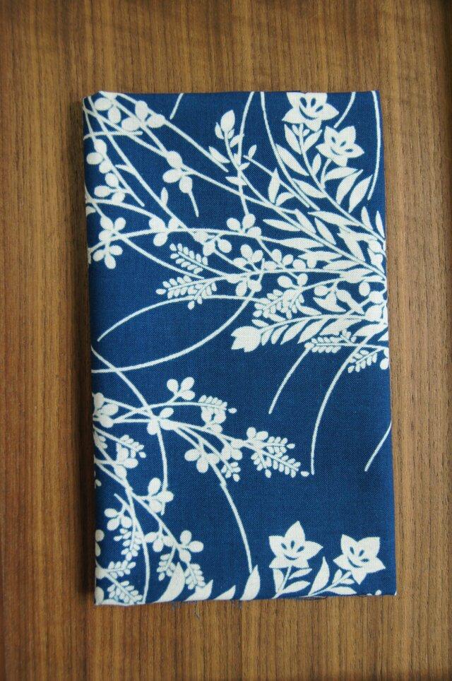 天然藍の型染め手拭い  秋草の画像1枚目
