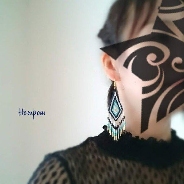 大ぶり☆オルテガ柄フリンジピアス ホムポムの画像1枚目