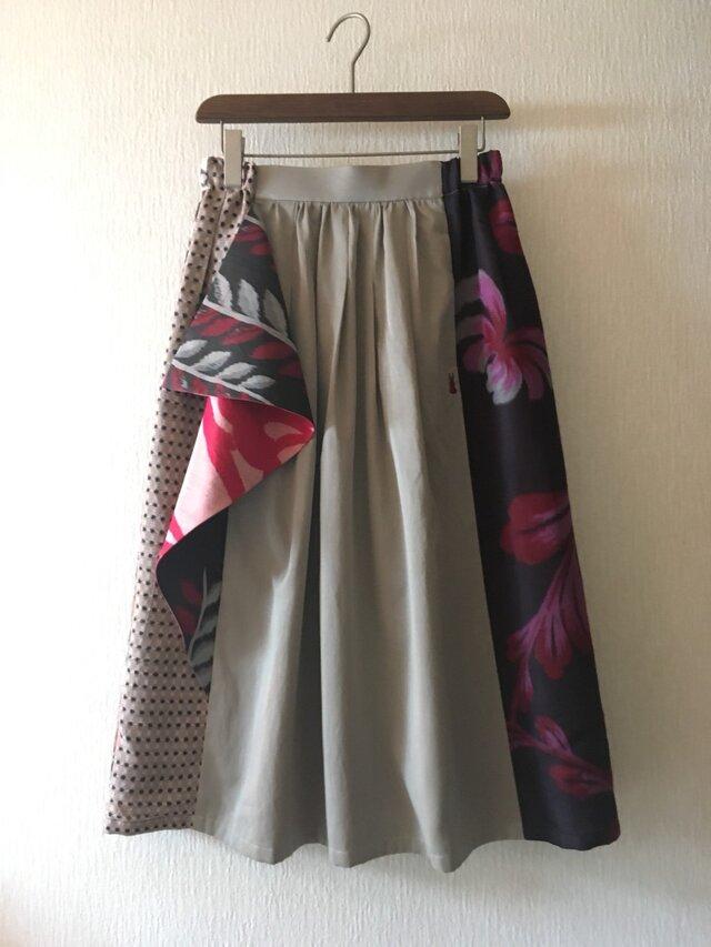 銘仙のフリルスカート822*ベージュ*綿サテン レーヨン 古布 ギャザースカートの画像1枚目