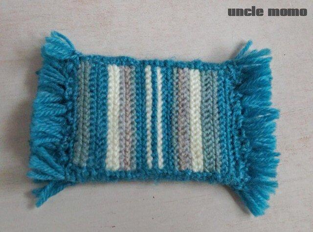 ドール用ツヴィスト刺繍のラグ(玄関・ルームマット)Blue 1/12ミニチュア・ファブリックの画像1枚目