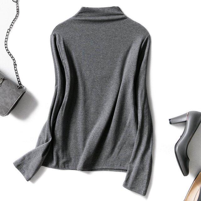 どんな服にも合わせやすい 秋冬向けのハイネック下着トップス 長袖の画像1枚目
