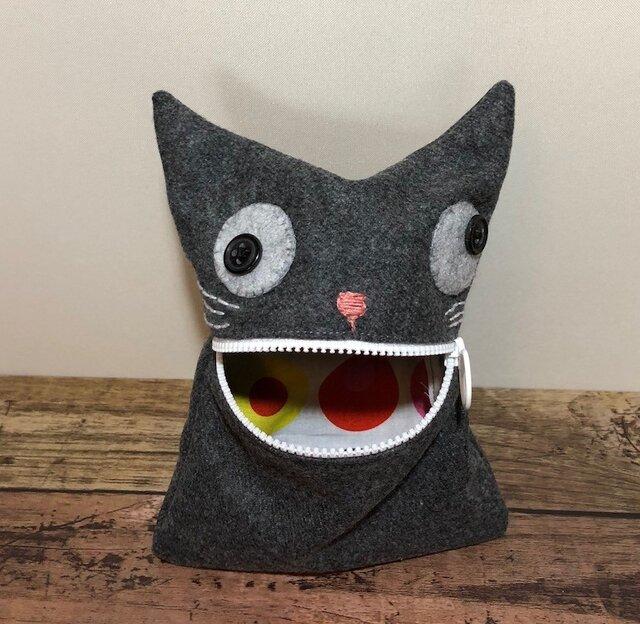 ウールで猫ポーチの画像1枚目