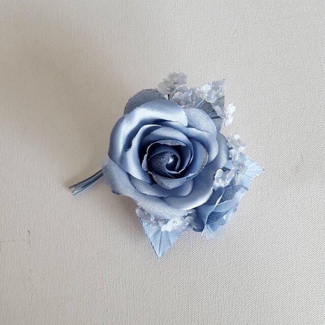 薔薇とかすみ草のコサージュ-ブルーの画像1枚目