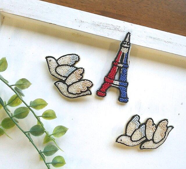 オートクチュール刺繍ブローチ 渡り鳥のsukeさんkakuさんの画像1枚目