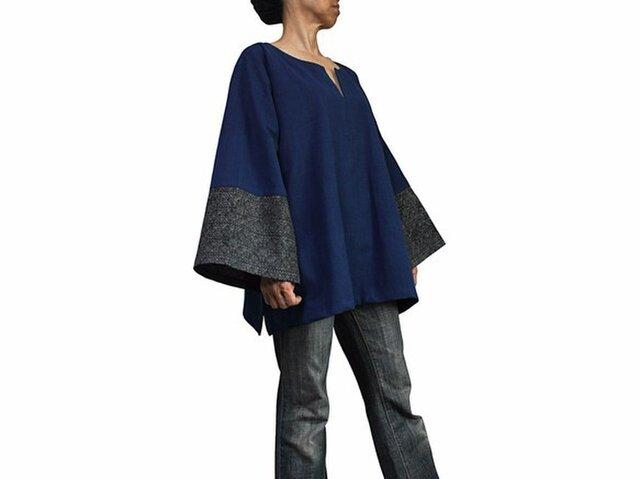 ジョムトン手織り綿モンバティック付きプルオーバー インディゴ (BFS-152-03)の画像1枚目