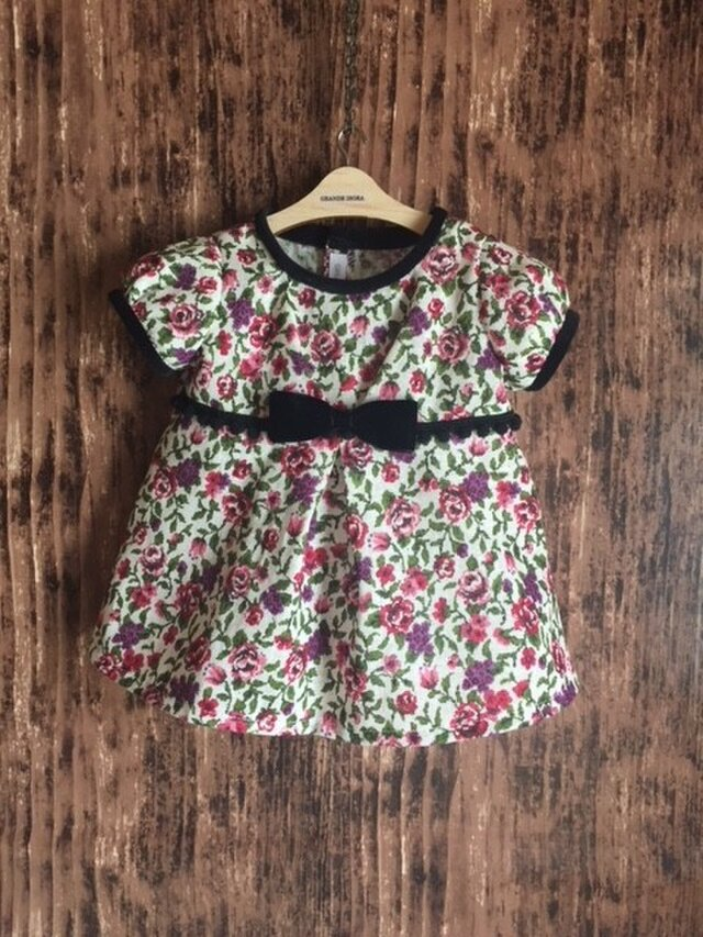 ダッフィーサイズのお洋服 小花ワンピースの画像1枚目