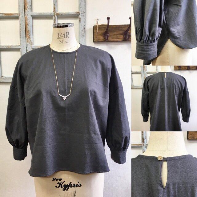 レトロなボリューム袖❤️コットン素材のギャザーカフス付きブラウス グレー(サイズフリーM〜 L)の画像1枚目