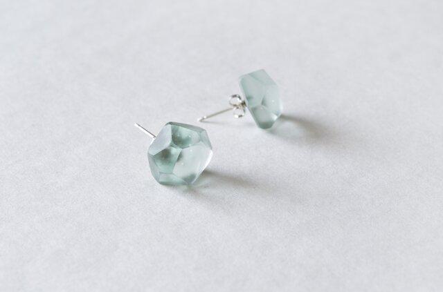 ice pierced earrings < light blue >の画像1枚目
