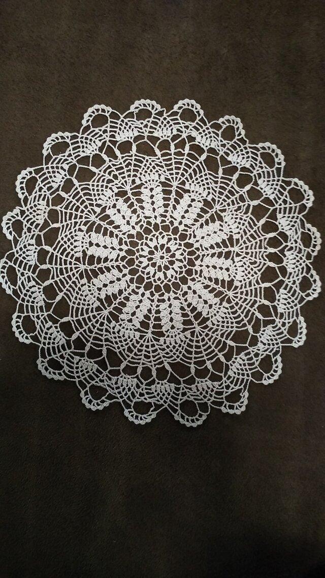手編みレースドイリー直径約30㎝の画像1枚目