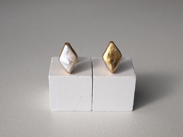 金箔とパールのスタッドピアス/diamond_gold&whiteの画像1枚目