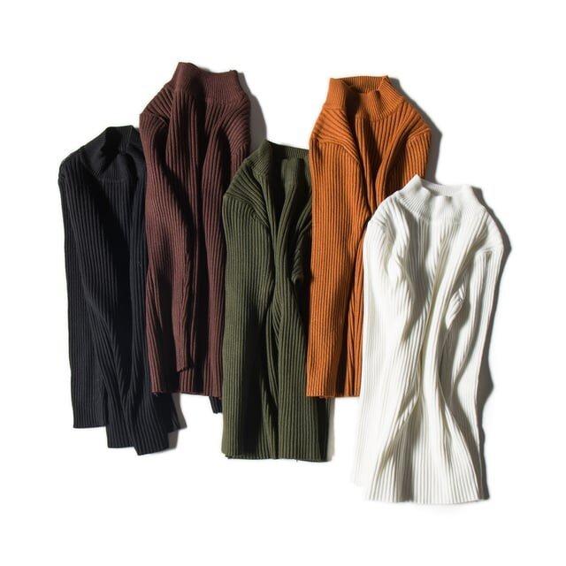 これからの季節に着まわしやすい 大人の下着ニット セーター 五色の画像1枚目