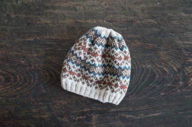 北欧風編み込み模様のニット帽 / Leikki[レイッキ]/ ブルー×レッドの画像1枚目